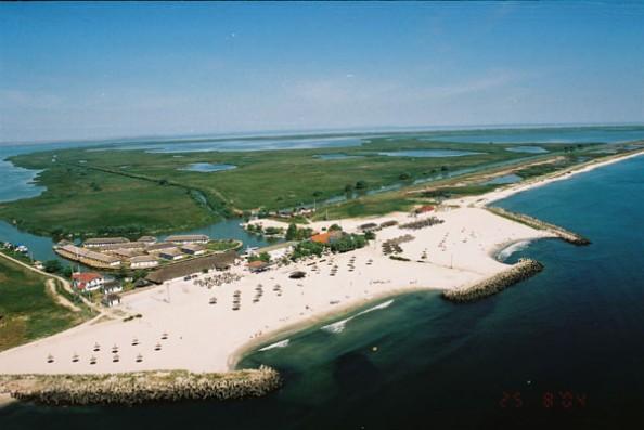 Top 4 blue beaches in the world Gura Portitei Romania