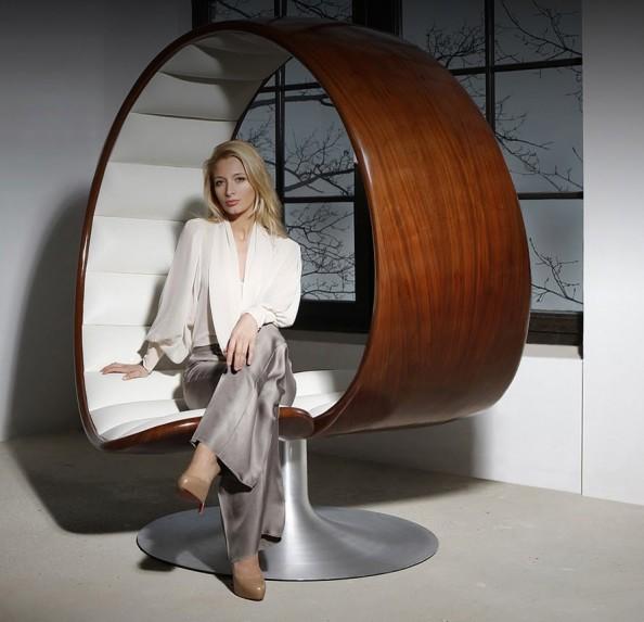 Gabriella Asztalos Hug Chair 1
