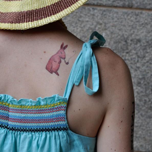 temporary tatoo rabbit back