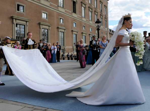 Crown_Princess_Victoria_Sweden_Wedding_dress