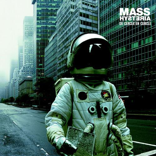 Astronaut Album Covers Mass Hysteria de Cercle en Cercle