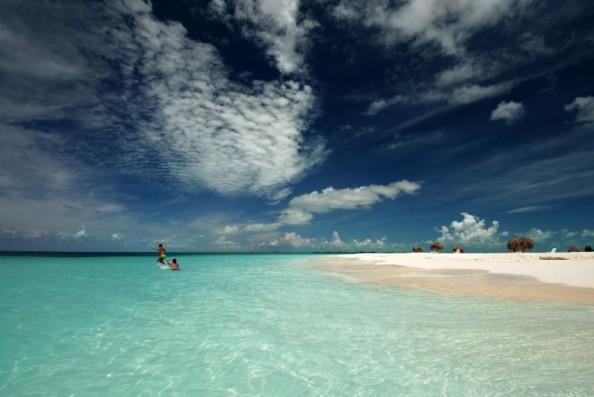 Top 4 blue beaches in the world Cayo largo Cuba