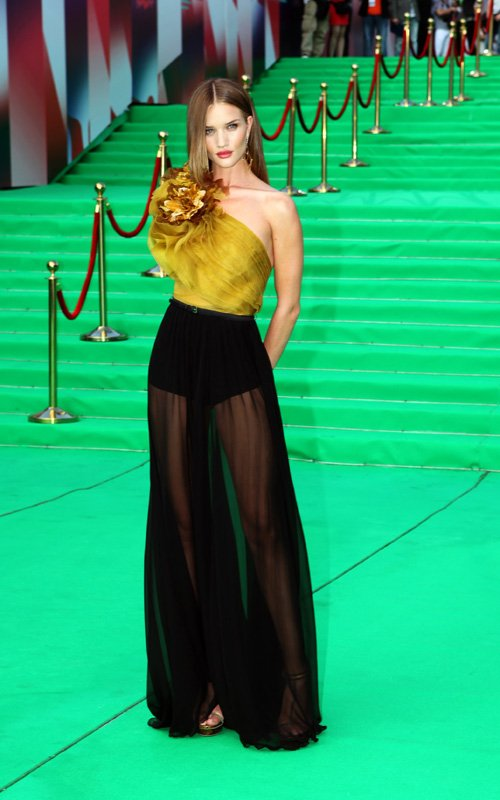 Rosie Huntington-Whiteley wearing Gucci at Transformers Moscow Premiere