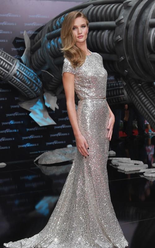 Rosie Huntington-Whiteley wearing Naeem Khan at Transformers Premiere in Berlin