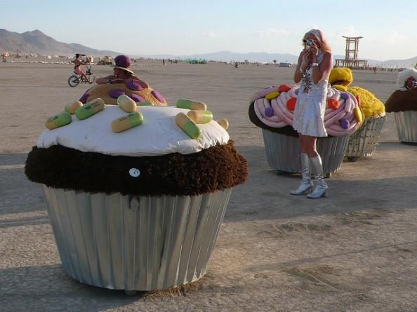 Cupcakes street art
