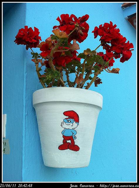 Smurf Flower Pot Pueblo Pitufo