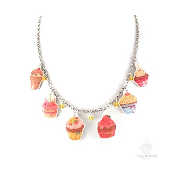 Tiny Hands Cupcake Necklage