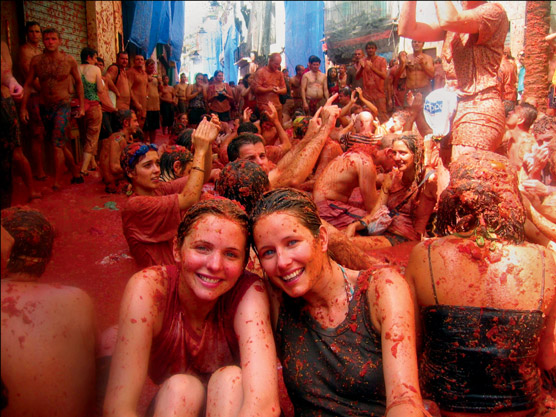 Tomatina Throwing Tomatoes Festival Spain Bunol Valencia 5
