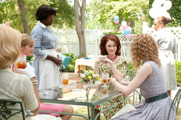 Housewives outfits in The Help movie