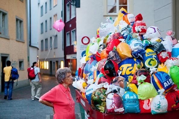 Luzzinterruptus Urban Installations - Plastic Bag Exhibition 6