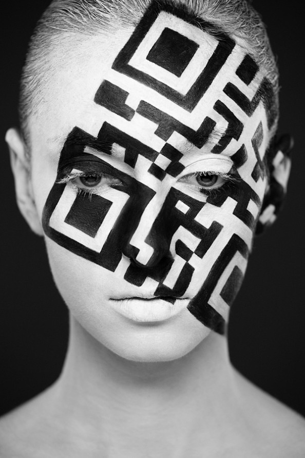 Weird Beauty Project by Alexander Khokhlov - Make up by Valeriya Kutsan QR-Code
