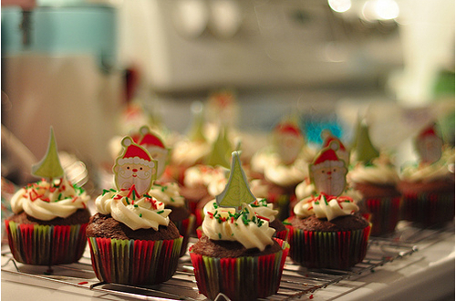 Christmas Cupcakes and Best Holiday Wishes from Mole Empire 12