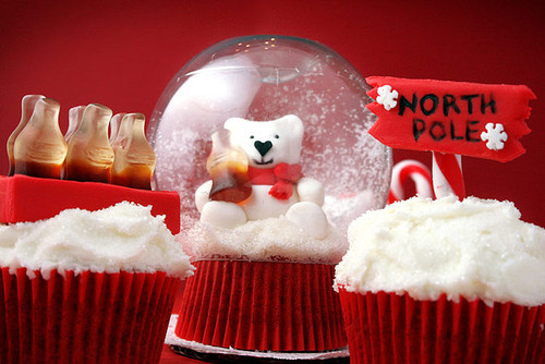 Christmas Cupcakes and Best Holiday Wishes from Mole Empire 13