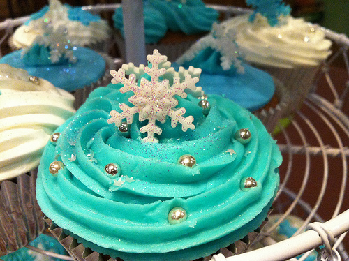Christmas Cupcakes and Best Holiday Wishes from Mole Empire 2