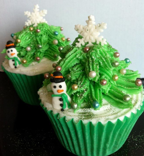 Christmas Cupcakes and Best Holiday Wishes from Mole Empire 5