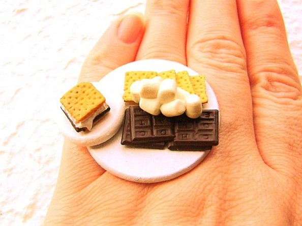 Food rings Souzou Creations Smores Chocolate Marshmallow Graham Crackers Ring