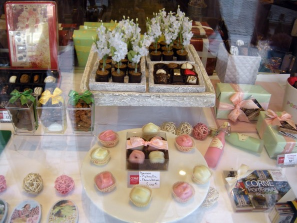 Confectionery Window Cakes in Brussels