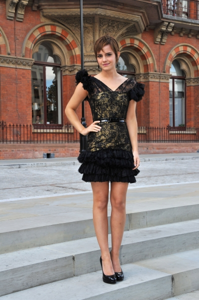 Harry Potter and the Deathly Hallows Part II London Photo Call Emma Watson Outfit 1