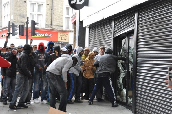 Looting Rioters in London August 2011