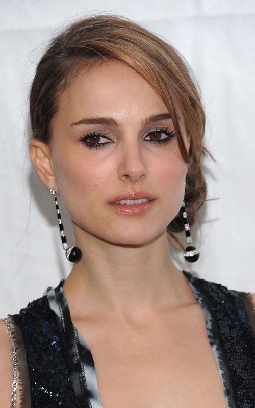 Natalie Portman Looks Like Keira Knightley