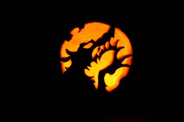 Werewolf Halloween Pumpkin Carving by TRIUMPHSIX