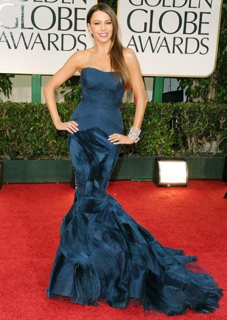 Sofia Vergara in Vera Wang Golden Globes 2012