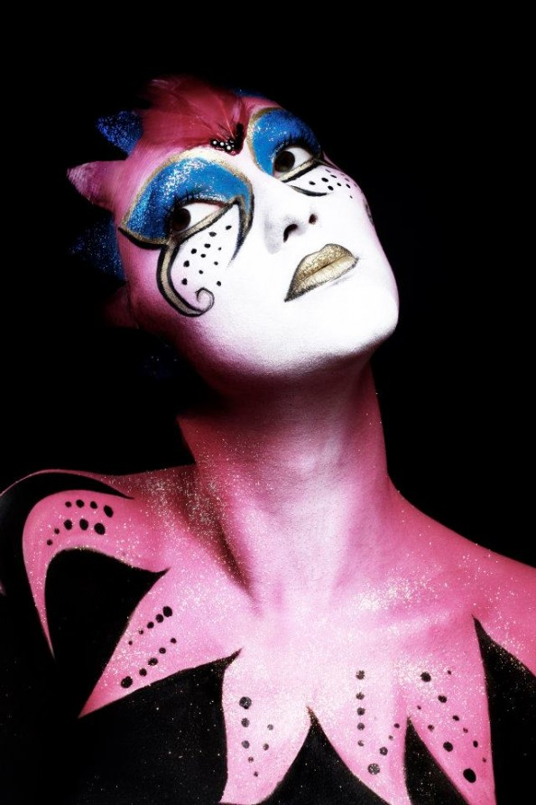 Carla Dias French make-up artist body painting