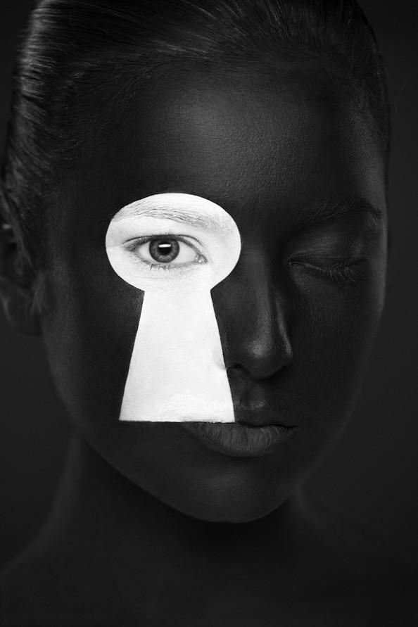 Weird Beauty Project by Alexander Khokhlov - Make up by Valeriya Kutsan Keyhole