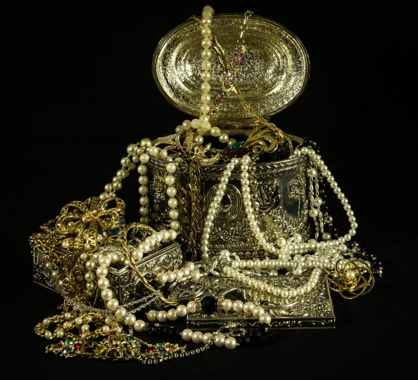 How Much Is Your Jewelry Really Worth? - Mole Empire