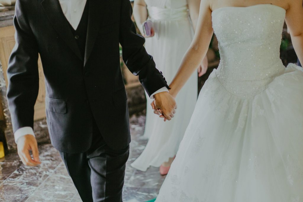 1 Classic - Traditional An Elegant White Wedding